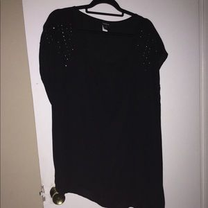 Nwot Torrid sheer long on one side black blouse